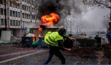 Tensión durante las protestas de los 'chalecos amarillos' en París