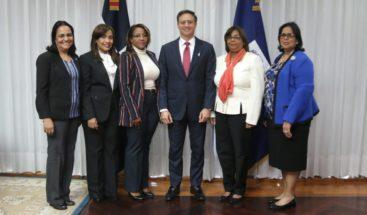 Comisión de Género promueve campaña por la No Violencia Contra la Mujer