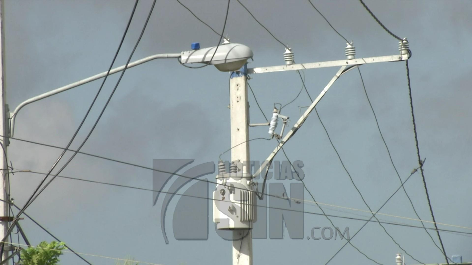 Ponen en funcionamiento extensión de redes eléctricas en Moca