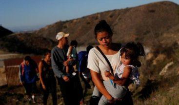 Niña migrante de 7 años muere deshidratada bajo custodia de EEUU