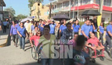 Personas con discapacidad marchan en Azua para pedir mejores condiciones