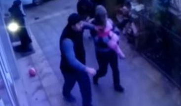 Una niña de 5 años cae de un quinto piso y se salva de milagro
