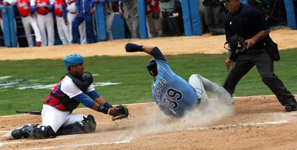 Federación Cubana y MLB acuerdan contratación peloteros en Grandes Ligas