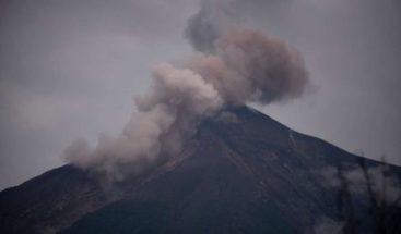 El volcán de Fuego de Guatemala tiene entre 5 y 7 explosiones por hora