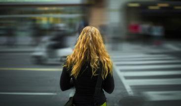 Una joven de 15 años filma cómo un hombre la acosa en plena calle