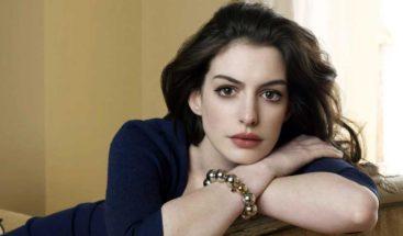 Anne Hathaway negocia protagonizar una película de
