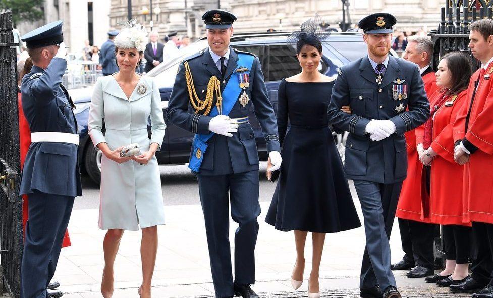 Duques de Cambridge y Sussex felicitan la Navidad con fotos familiares