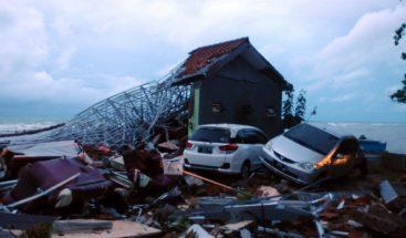 Suben a 429 los muertos por el tsunami de Indonesia
