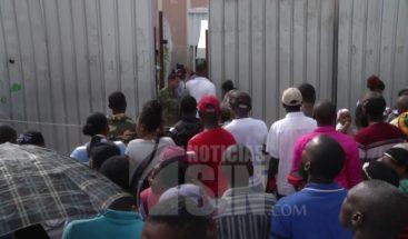 Sectores sociales llaman al gobierno a no firmar pacto sin consultar