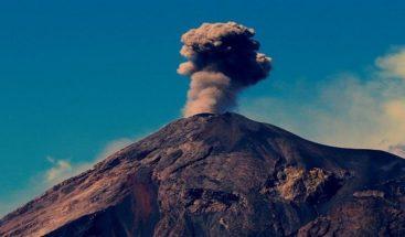 Volcán de Fuego de Guatemala tiene una columna de ceniza a 5.200 metros