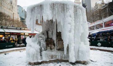 La ola de frío polar sigue causando problemas en partes de Canadá y EEUU