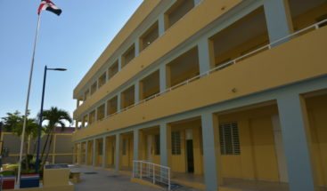 Presidente Medina entrega centro educativo en Sabana Perdida