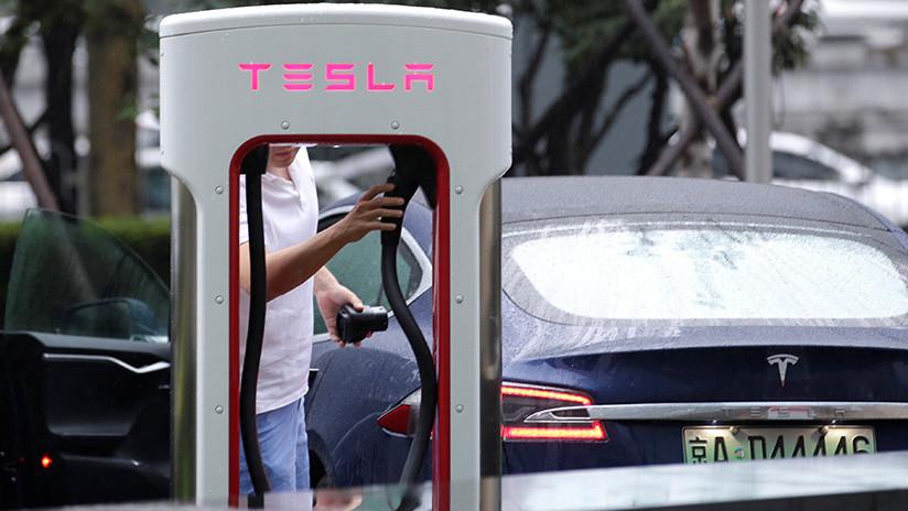 Demandan a Tesla por muerte de 2 ocupantes debido a una batería defectuosa