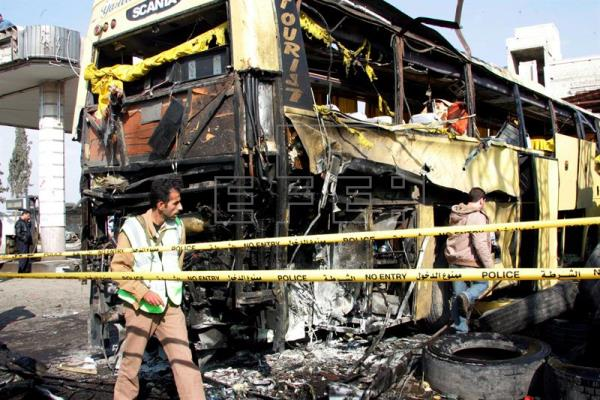 Al menos tres muertos por una explosión en un autobús en el norte de Siria