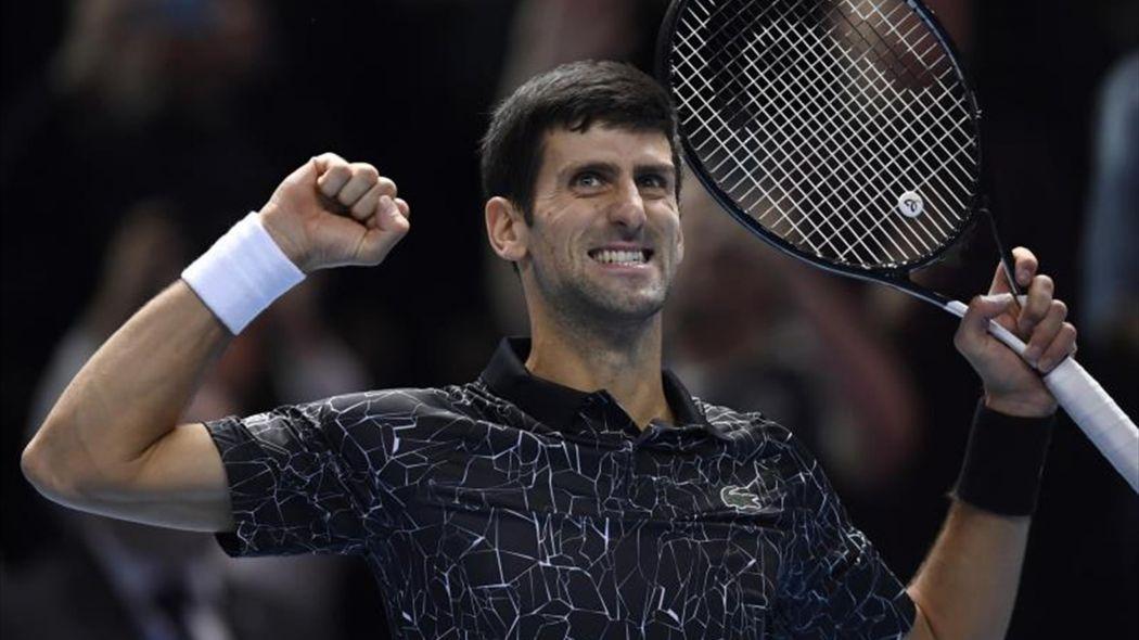 Djokovic arrasa a Dzumhur en primera ronda