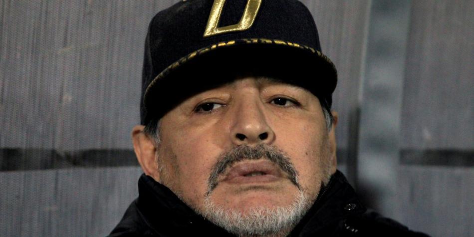 Maradona recibe alta tras estar 5 horas en clínica por sangrado estomacal