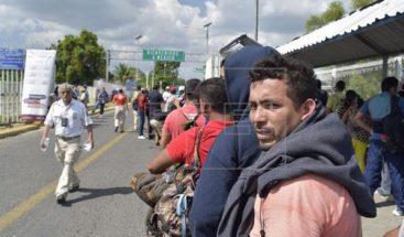 Primeros migrantes nueva caravana inician solicitud para entrar a México