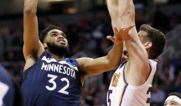 Towns se acerca al triple-doble en victoria de los Timberwolves