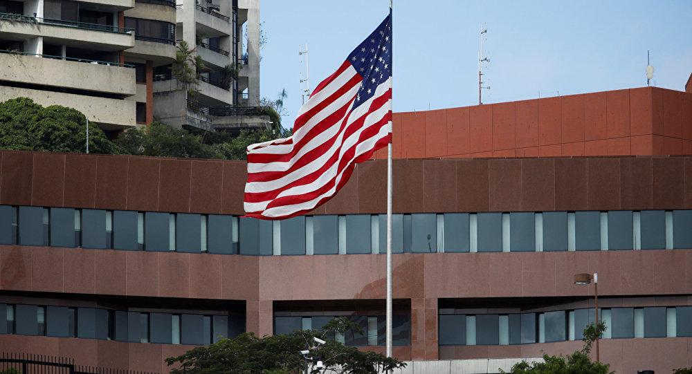 Venezuela dice que EEUU ha retirado al personal de su embajada en Caracas