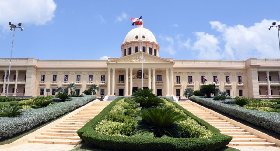 Designan ministros de Obras Públicas y de Trabajo como miembros del Consejo Nacional de Competitividad