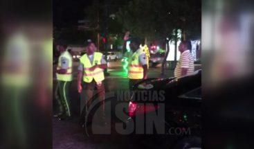 Taxista denuncia fue agredido por agente de la Digesett