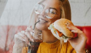 Estudio explica por qué algunas personas nunca engordan