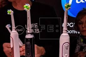 Crean cepillo de dientes