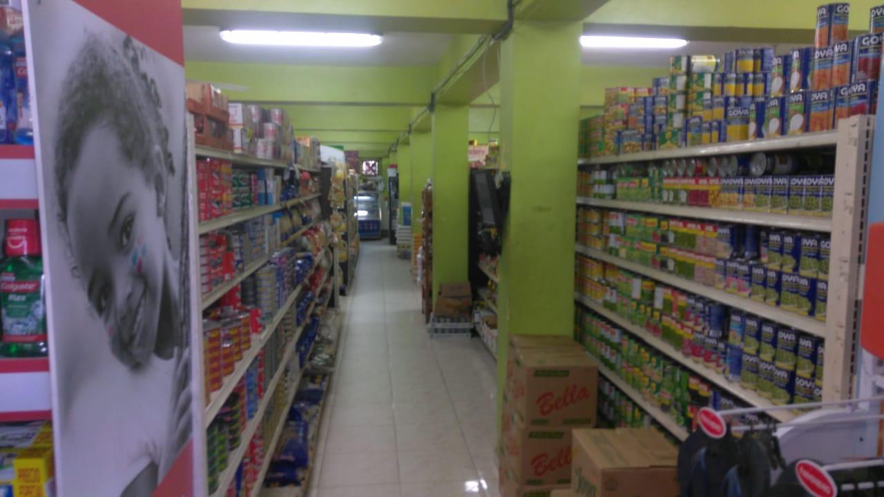 Desconocidos roban46 mil pesos y varías mercancías en un supermercado