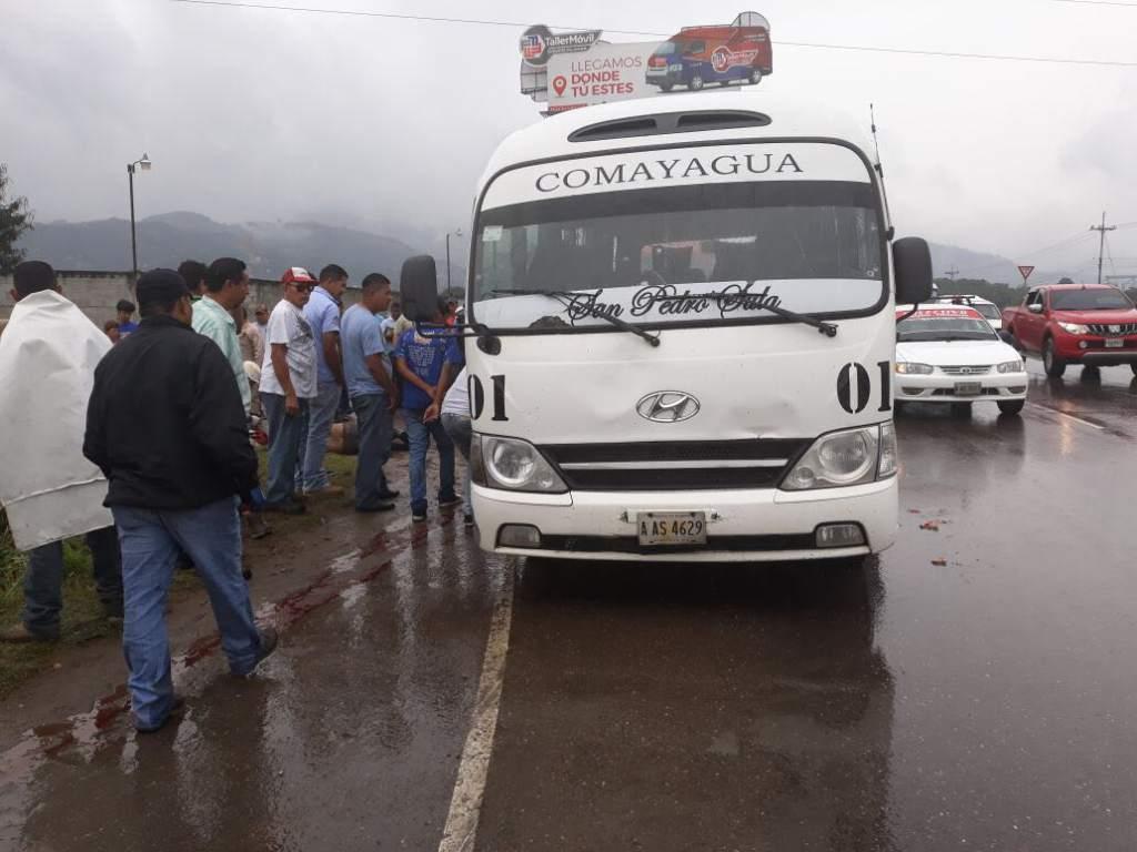 Al menos dos muertos y un herido en asalto a autobús en Honduras