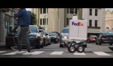 FedEx presenta un robot para entregar pizzas y fármacos a domicilio
