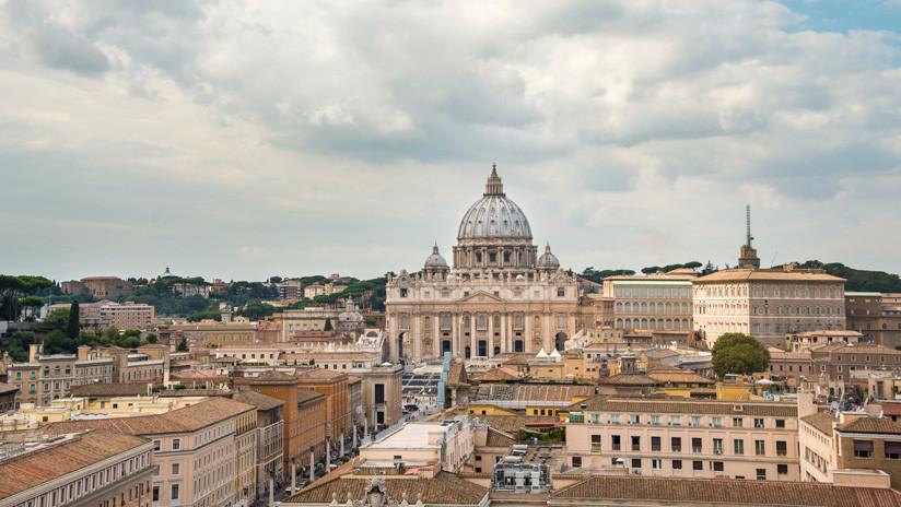 La 'doble vida': Denuncian que 80 % de los sacerdotes del Vaticano son homosexuales
