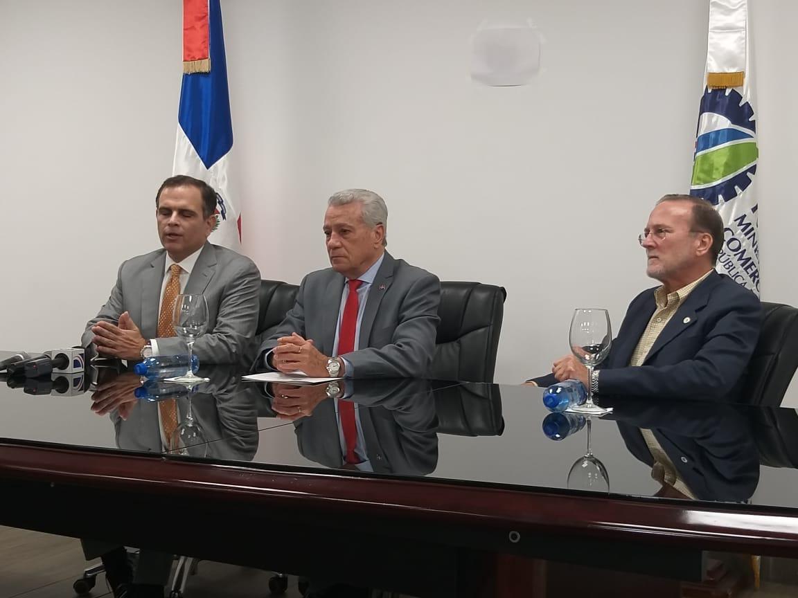 Toca Simó critica sindicatos anuncian movilizaciones por alza combustibles