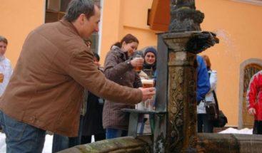 Eslovenia inaugura la primer fuente publica de Cerveza en la calle