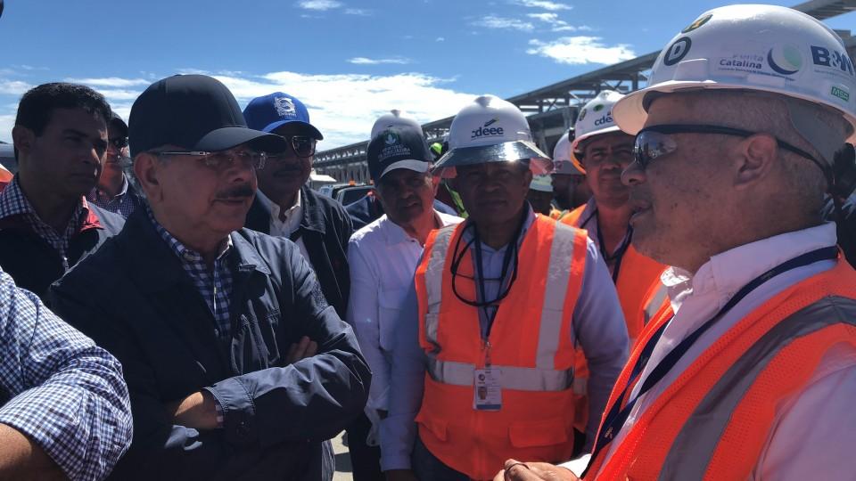 Medina realiza visita sorpresa a obras en proceso de construcción del sur