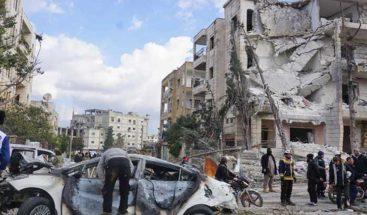 Aumentan a 24 los muertos por dos coche bomba en la ciudad siria de Idlib