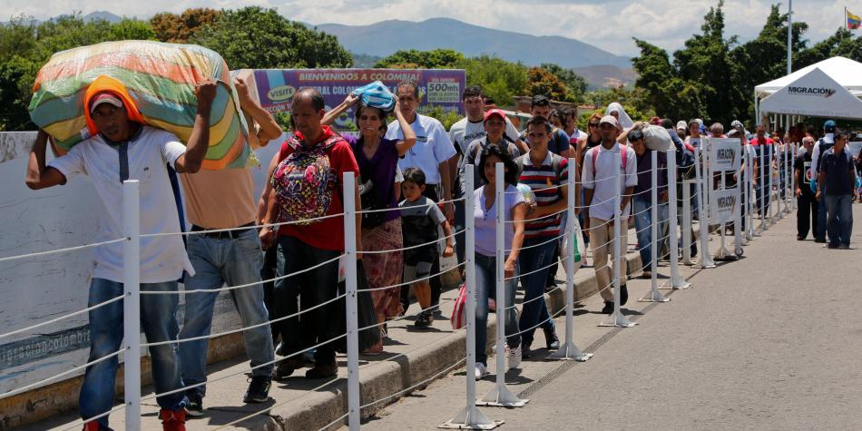 Venezolanos en Cúcuta cuentan las horas para llegada de ayuda humanitaria