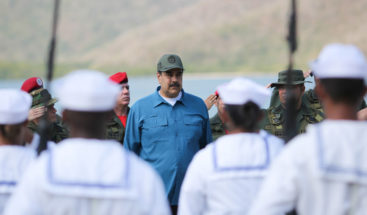 Maduro anuncia recogida de firmas