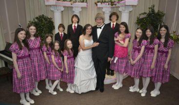 Pareja de esposos en EE.UU. se declara culpable de torturar a sus 13 hijos