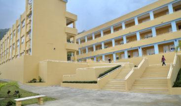 Medina entrega tres centros educativos y una estancia infantil en Barahona