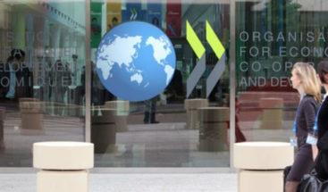 OCDE: Si Argentina no hace ajuste, habría riesgo de una recesión más profunda