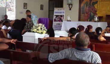 Muere joven tras ser atropellada por un camión en Santiago