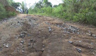 Ciudadanos de pueblos de Dajabón reclaman reparación de carreteras
