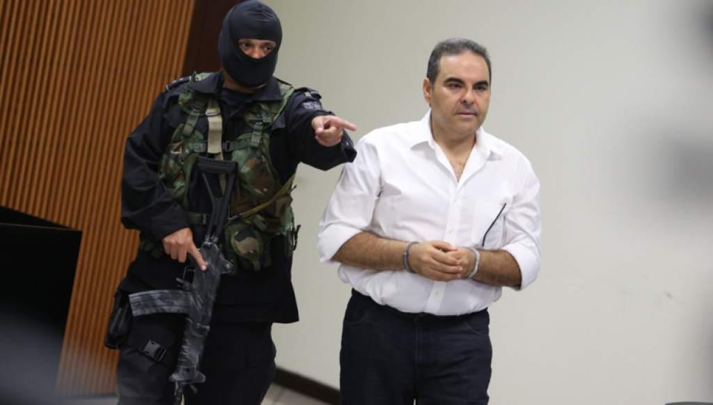 Expresidente salvadoreño Saca es acusado por lavado de 10 millones de dólares