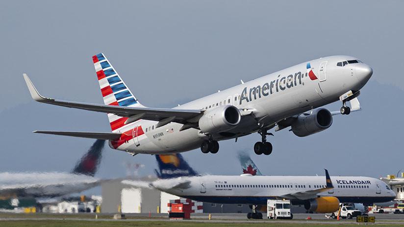 Expulsan de un avión a una madre y a su bebé por una rara enfermedad de piel