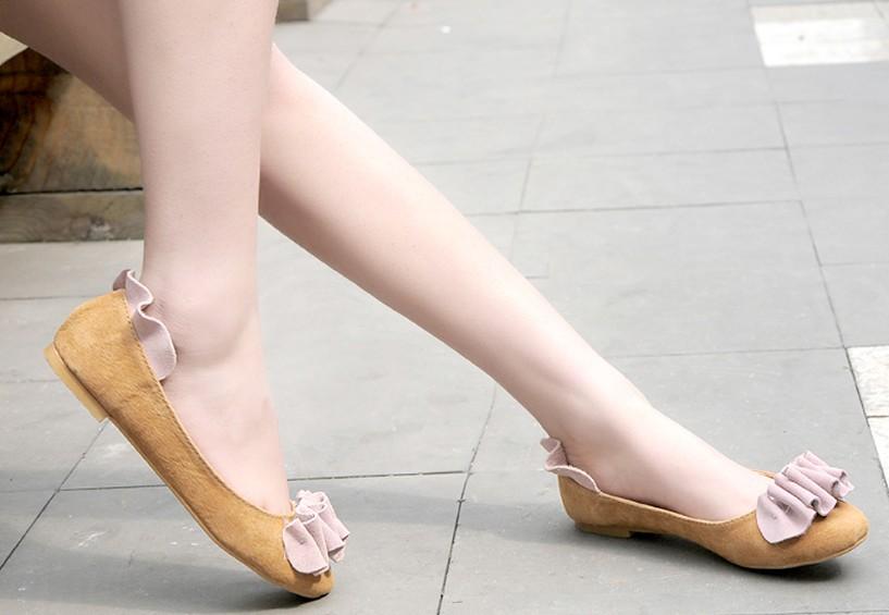 Usar zapatos sin tacón (flats) es más dañino que usarlos con tacones