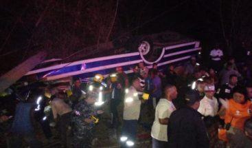Al menos cinco muertos y 60 heridos en carretera Jarabacoa-La vega