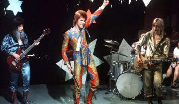 Sale a subasta la primera grabación del clásico de Bowie
