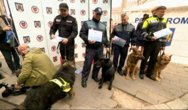 Seis agentes caninos reciben título de