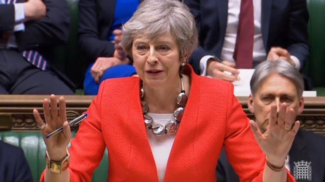 La afonía impide a May abrir el debate sobre un posible