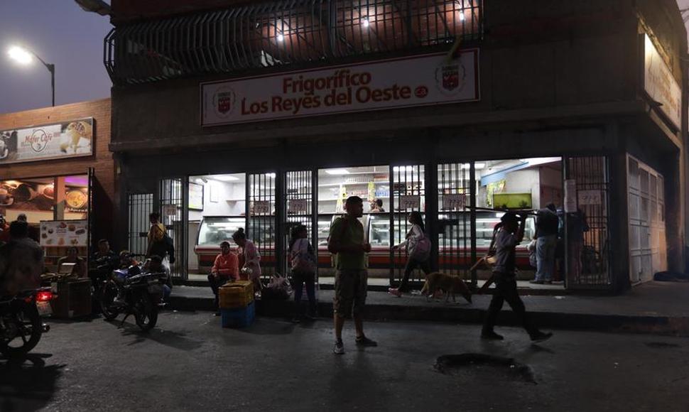 Venezuela supera un segundo apagón y Guaidó es inhabilitado políticamente
